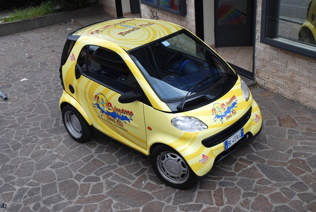 Mercedes Smart car wrapping Roma